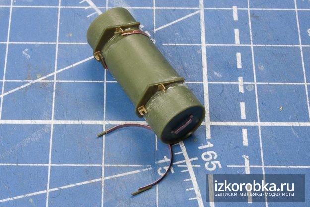 СУ-100. Топливный бак и крепление