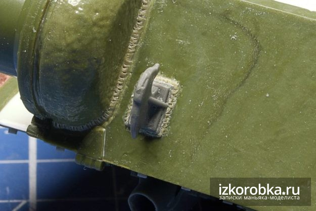СУ-100. Задний крюк и имитация сварного шва