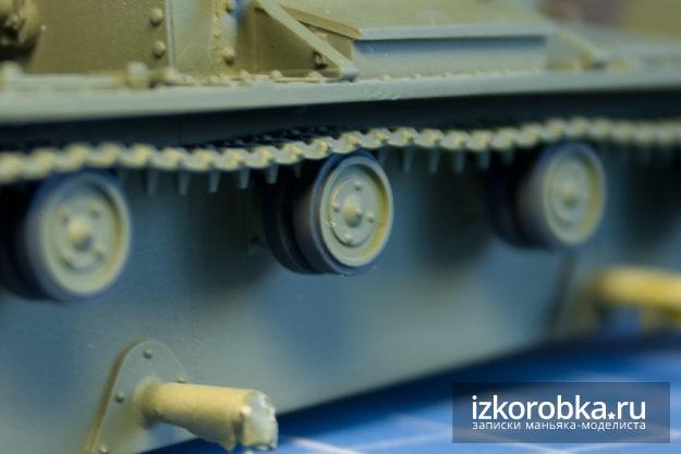 Сборная модель танка т-26. Окраска резины катков
