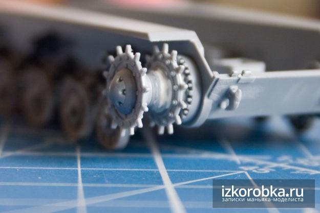 Сборка модели танка ИС-2 от Звезды. Ходовая