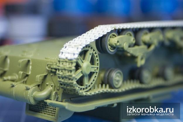 Модель танка Т-26. Сборка траков