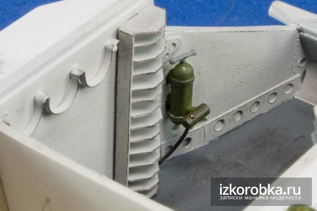 Окраска детали интерьера модели танка Т-18 МС-1
