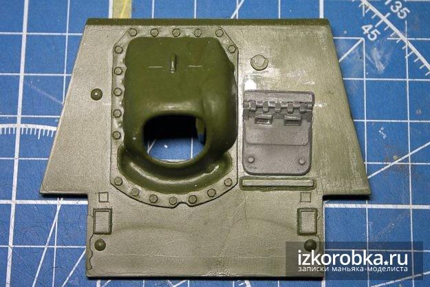 СУ-100. Передний бронелист с люком мехвода