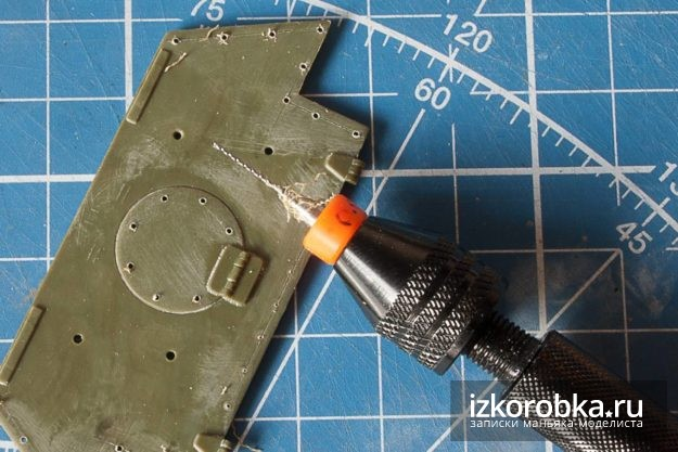 СУ-100. Заменяем болты на задней бронеплите